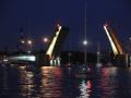 DSC_1474_Nattlig broöppning StP, eskadern passerar under broarna